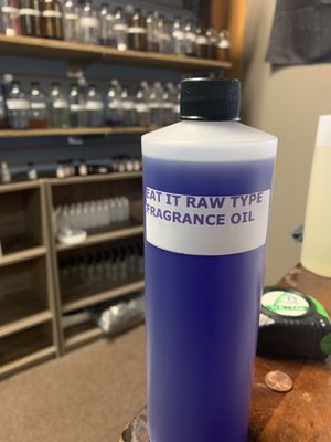 Eat IT RAW body oil fragrances 4oz for Sale in Edwardsville, PA