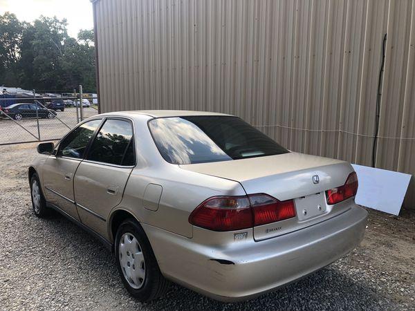 2000 Honda Accord. Clean Title. Current Emissions
