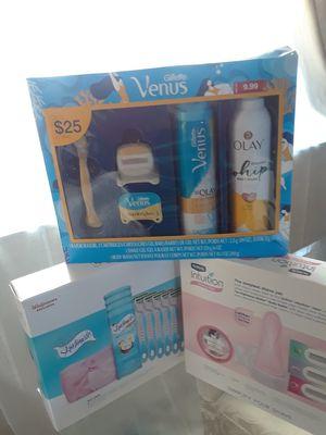 Womens bundle for Sale in Rialto, CA