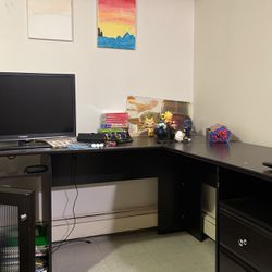L-Shaped Desk For Sale for Sale in Floral Park,  NY