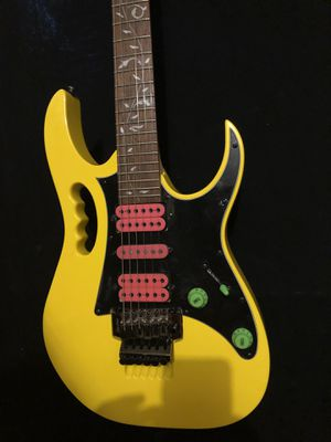 Ibanez JEM Jr , Yellow with Pink Pick Up for Sale in Las Vegas, NV