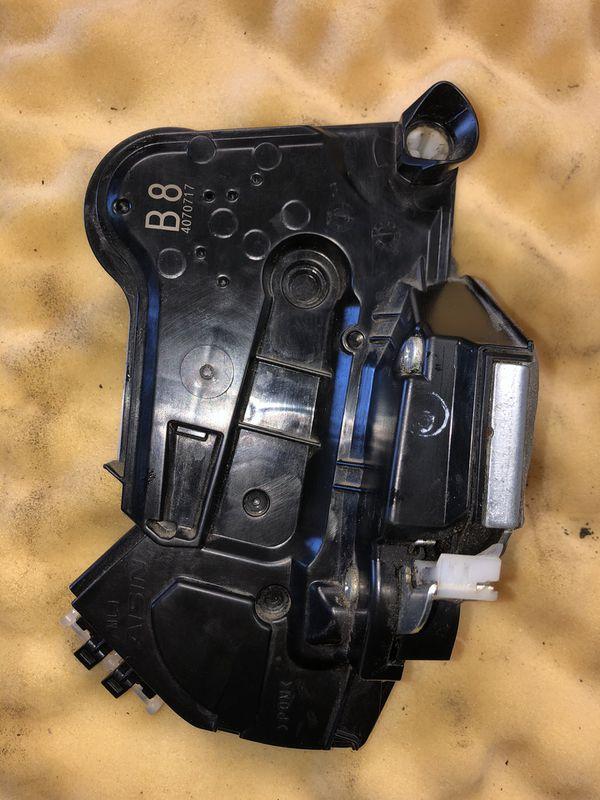 2014 to 2017 Toyota Corolla Door Lock Actuator - LEFT FRONT ( DRIVER SIDE ) OEM