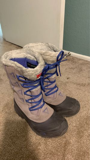 North face Girls snow boots size 5 for Sale in Mission Viejo, CA
