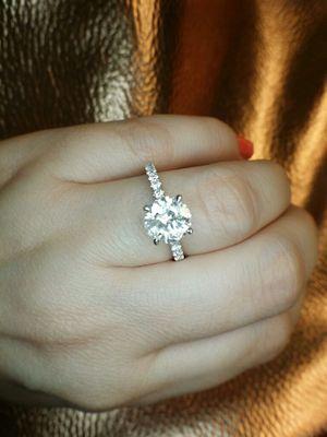 2 carat diamond engagement ring for Sale in Atlanta, GA