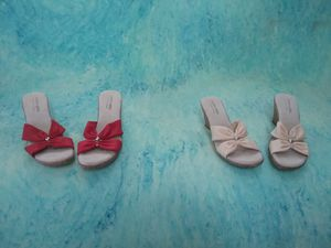 Very cute slip-on sandals size 10 for Sale in Sioux City, IA