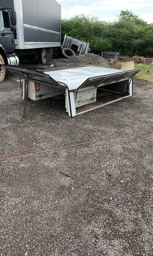 Truck camper long bed for Sale in Miami, FL