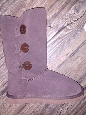 UGG Bailey Button Triplet Boots for Sale in Hazel Park, MI