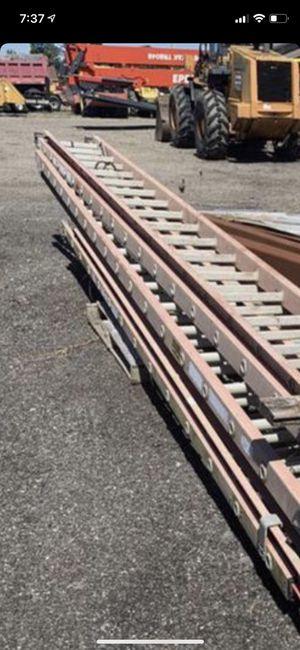 40 ft ladder for Sale in Medina, OH