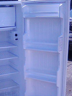 Kenmore fridge for Sale in San Bernardino, CA
