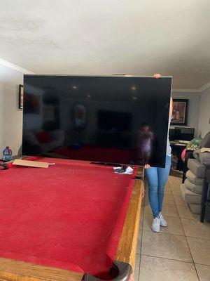 82 inch Tv for Sale in San Bernardino, CA