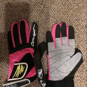Connelly Water Ski Gloves for Sale in Redmond, WA