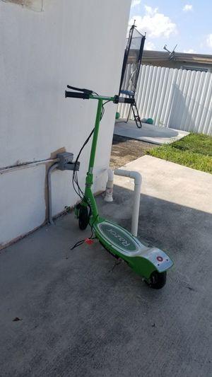 Razor scooter for Sale in Opa-locka, FL