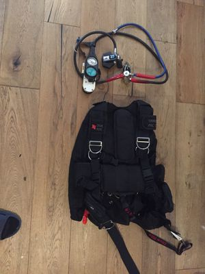 Rec wing dive rite bcd, scuba pro regulator, Dacor flippers for Sale in Marietta, GA