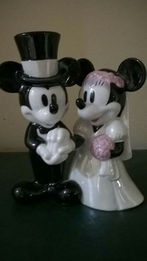 Rare Mickey Mouse /Minnie Mouse Figurine for Sale in Gallatin, TN
