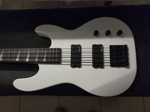 JACKSON JS2 BASS ... WITH EXTRAS for Sale in Tustin, CA