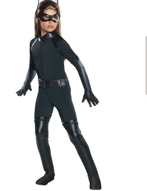 Deluxe Catwoman Girl's Halloween Costume Size M for 5-7 years( NOT HEADPIECE) for Sale in Homestead, FL