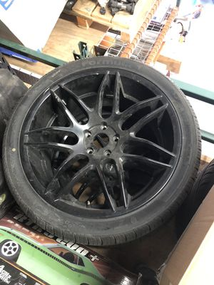 20 inch ruff racing rims 5x114.3 for Sale in Oakland Park, FL