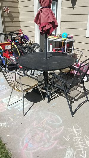 Patio furniture w/crank umbrella and chairs for Sale in Lakewood, CO