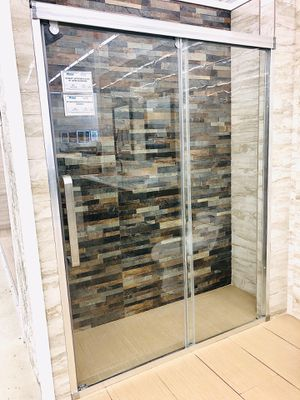 Shower doors 60x78 for Sale in Kissimmee, FL