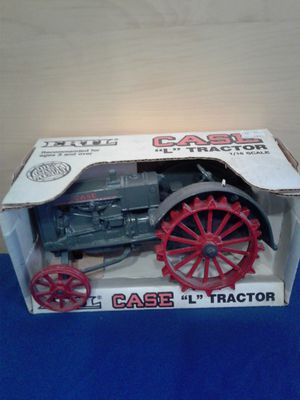 ERTL metal tractor 90'a for Sale in Pasadena, CA