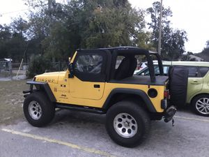 2005 Jeep Wrangler. for Sale in Jacksonville, FL