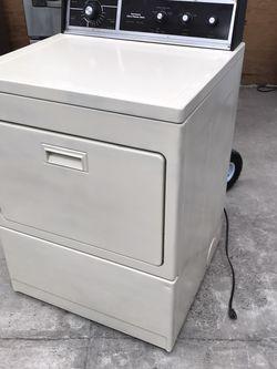 Secadora De Gas Garantizada for Sale in Salinas,  CA