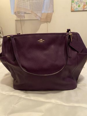 Barely Used COACH Leather Tote Bag for Sale in New York, NY