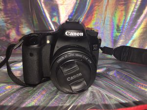 Canon EOS 70D Digital SLR Camera (Body Only) for Sale in Garland, TX