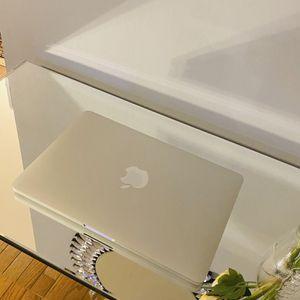 "MacBook Pro 13"" 256GB (An Excellent Christmas Gift) for Sale in Woodbridge, VA"