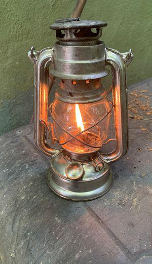 Working citronella lamp for Sale in Miami, FL