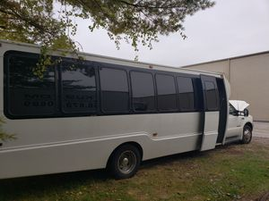 2001 Ford Party Bus for sale for Sale in Florissant, MO