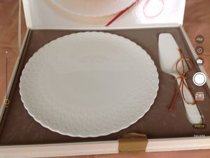 Mikasa Bone China cake plate and ceramic server. Great for Holiday gatherings/dinners. for Sale in Centreville, VA