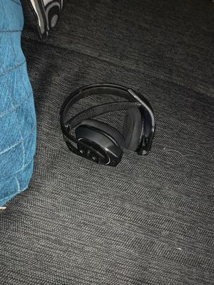 Wireless headset for Sale in St. Louis, MO