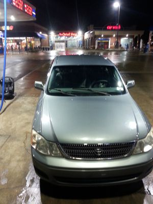 Toyota Avalon. 2002 XL. clean title for Sale in Erie, PA