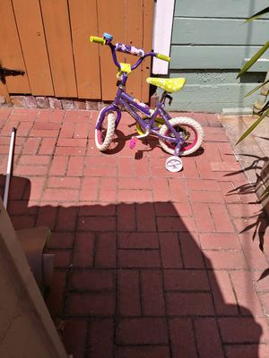 Little Girls Dora The Explorera Bike With Training Weels Hardly Ever Used Complet Very Nice for Sale in South San Francisco, CA