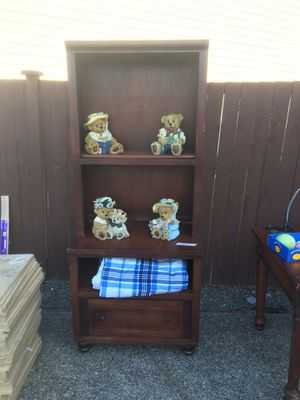 Desk and two file cabinets for Sale in Puyallup, WA