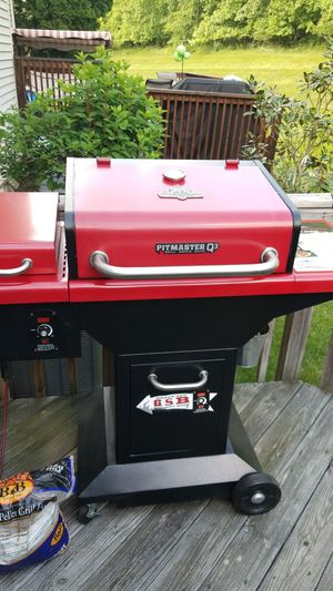 Wood Pallet Grill for Sale in Philadelphia, PA