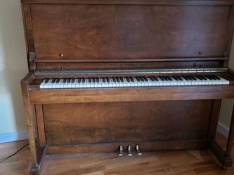 High Quality Bush & Lane Upright Piano $450 for Sale in Wenatchee,  WA