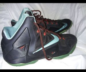 Nike LeBron james shoes size 12 lakers for Sale in Maywood, CA