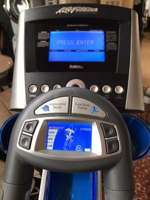 LifeFitness X7 Elliptical with Advance Console for Sale in Lakeside, CA
