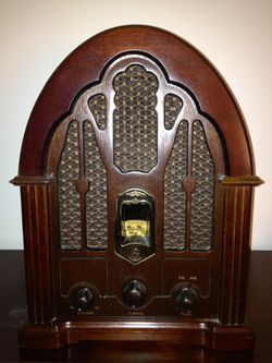 Vintage GE AM/FM Cathedral Radio for Sale in Lakewood,  WA