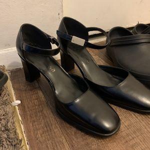 Botas for Sale in Gaithersburg, MD