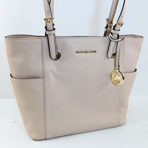 Michael Kors Jet Set Pebbled Leather Tote for Sale in Cleveland, OH