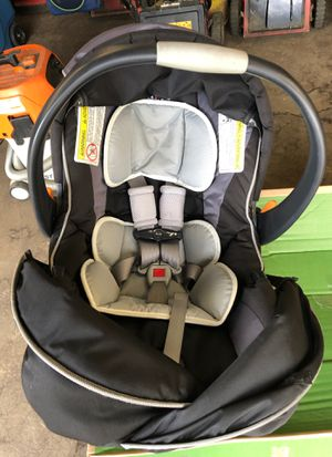 Baby car seat for Sale in Queens, NY