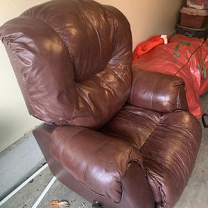 Leather Recliner for Sale in Vancouver, WA