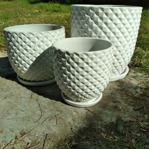 """New Planting Pots """"White 3 Pc Pinequilt Ceramic Planters"""" 15"""", 12"""", 10"""" Available $90😷 for Sale in San Bernardino, CA"""