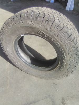 256/75/16 tire like new for Sale in Lilly, PA