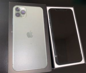 iPhone 11 Pro Max for Sale in Holtsville, NY