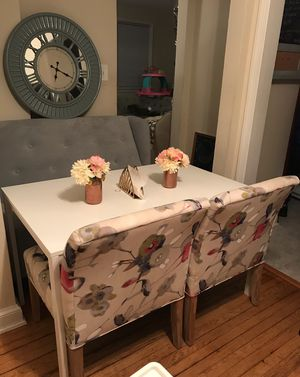 Dining set Floral chairs with minty settee/loveseat for Sale in Hyattsville, MD
