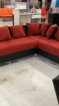 FURNITURE SECTIONAL RED AND BLACK BRAND NEW for Sale in Miami,  FL